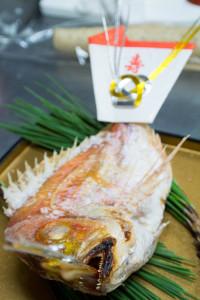 食い初め 鯛の塩焼き